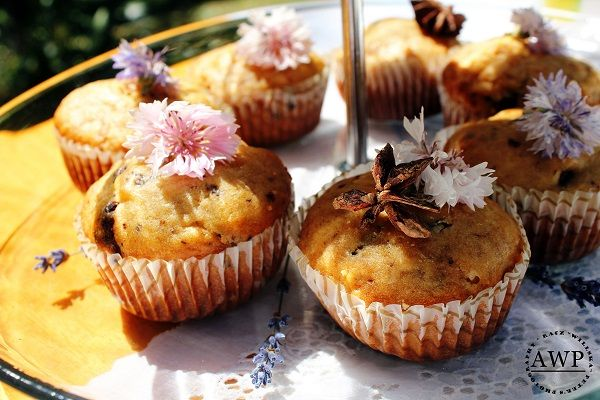 muffins with eating herbs and flowers