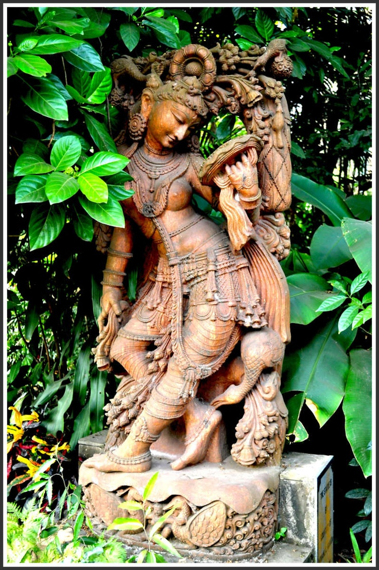 An ancient Indian sculpture - The story of Indian art and sculpture dates back to the Indus valley civilization of the 2nd and 3rd millennium BC. These articles indicate the level of achievement that Indian art had attained in those days.