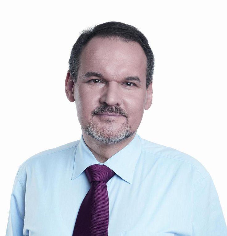 Tomasz Kayser -  Polski samorządowiec i działacz społeczny, od 1990 roku Wiceprezydent Poznania.