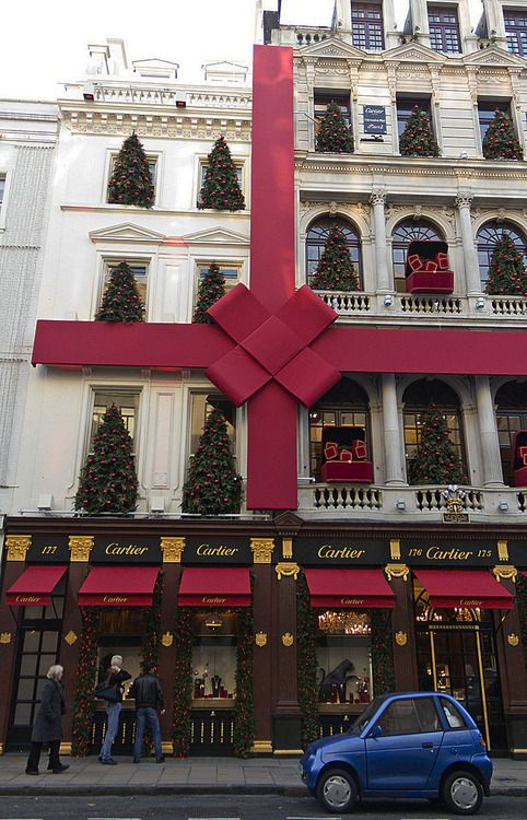 Christmas in Cartier, Old Bond Street, London- pure class