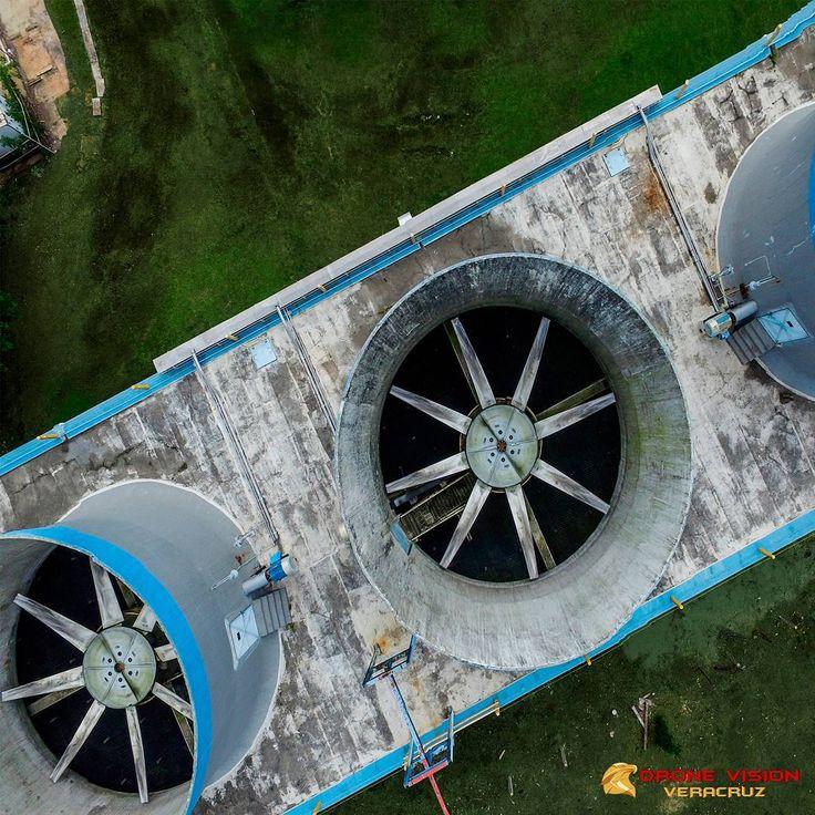 Seguimiento de operaciones industriales. . . . . #México #Veracruz #drones #UAV #drone #uas #DJI #technology #energy #oil #renewable #renewableenergy #gas #energia #termoelectrica #ciclocombinado #electricidad #Phantom4 #dronephotography #phantom #dronestagram #YosoyDroneVision #veracruz #méxico #energia #energy #today #news #renewableenergy #cleanenergy
