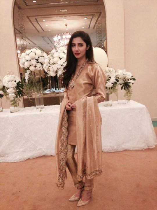 Pakistani actor Mahira Khan in Feeha Jamshed, Pakistani designer.