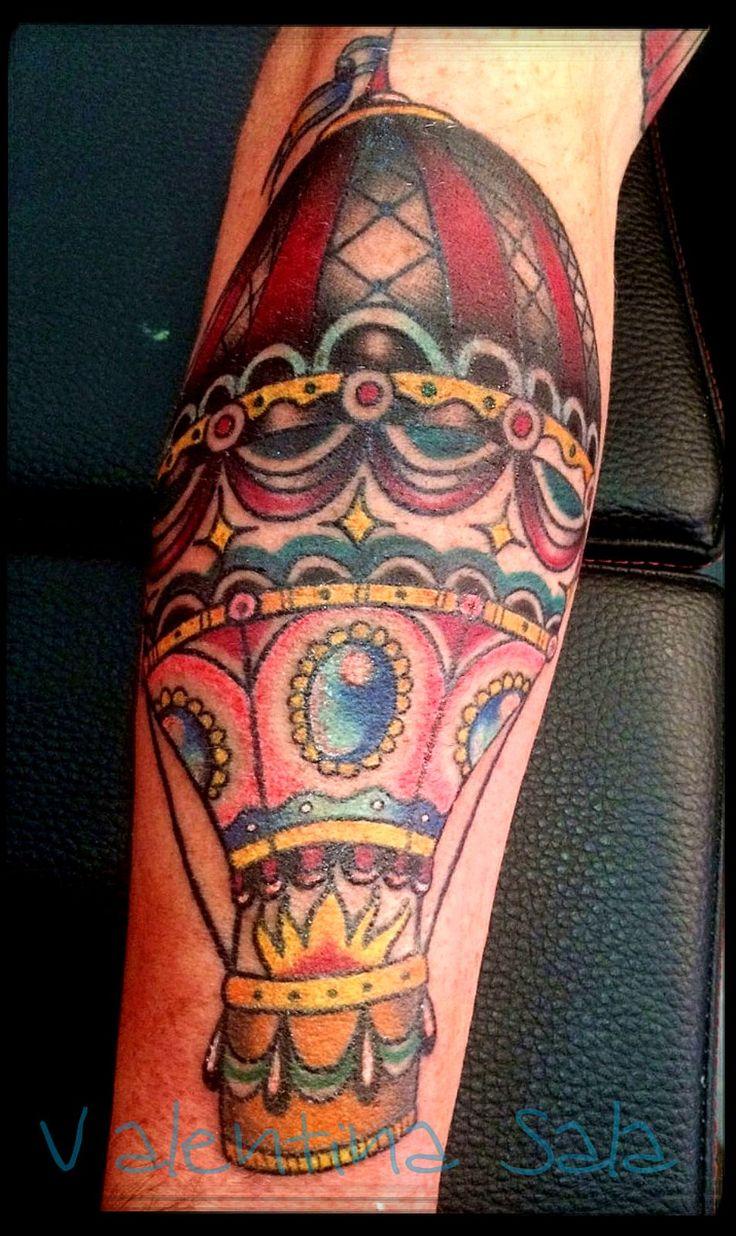 Pi di 25 fantastiche idee su mongolfiera tattoo su for Tattoo artist school