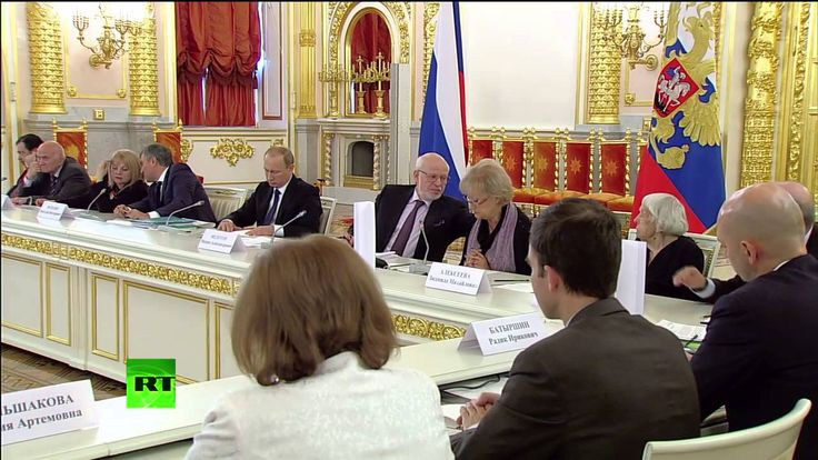 Владимир Путин на заседании совета по развитию гражданского общества и п...