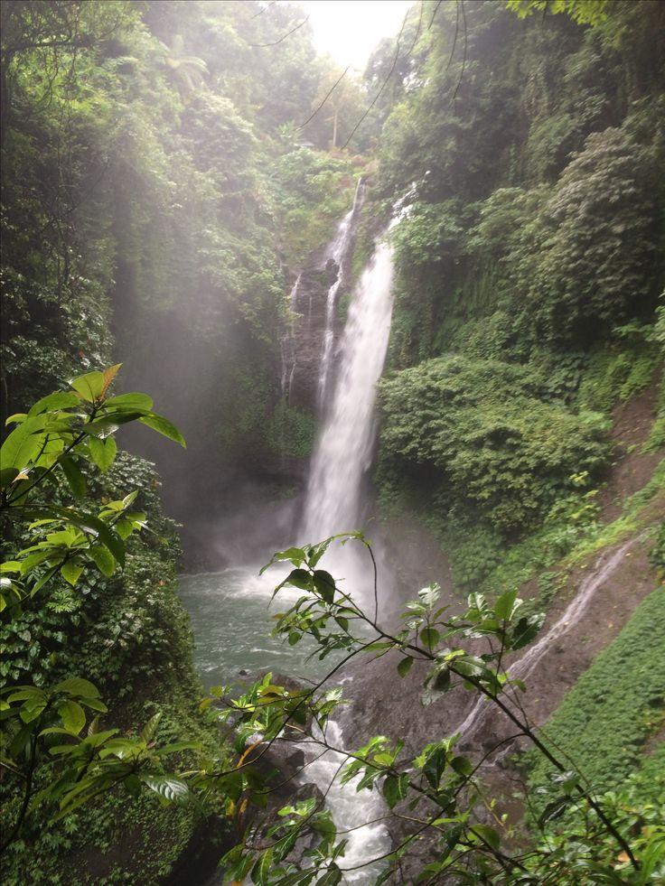 Aling Aling waterfall, Bali