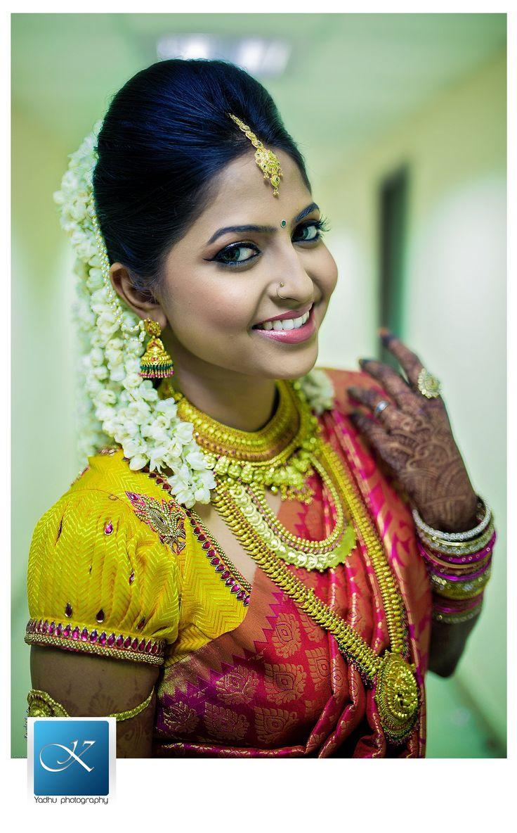 Suhasini in gundla haram jewellery designs - Chennai Candid Wedding Photographer Priya Ranjan Wedding Stories Yadhu Photography