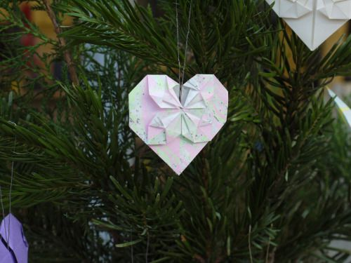 Marbled origami heart tree decoration!  Luxury handmade paper decor by Paper Street Dolls  Check out our store - paperstreetdolls.etsy.com