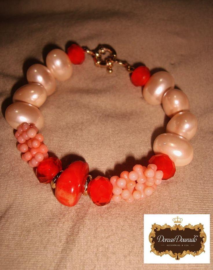 pulseira de pérola e corais