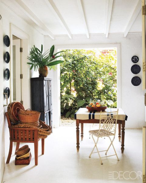 Just a beautiful space from Elle Decor posted by @Anna Totten Spiro  on her blog Absolutely Beautiful Things