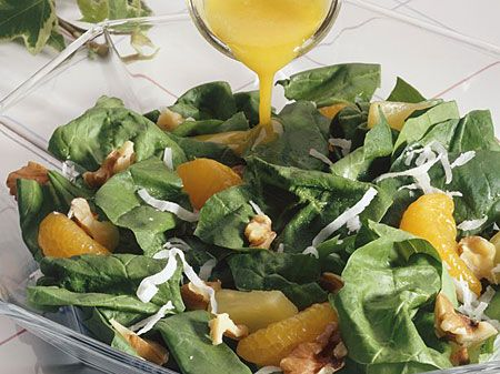 Guilt Free Dinner Party~  Farewell to those holiday calories--hello to eating healthy! So you think you can't entertain after the holidays because it means overeating and too many calories? Think again!