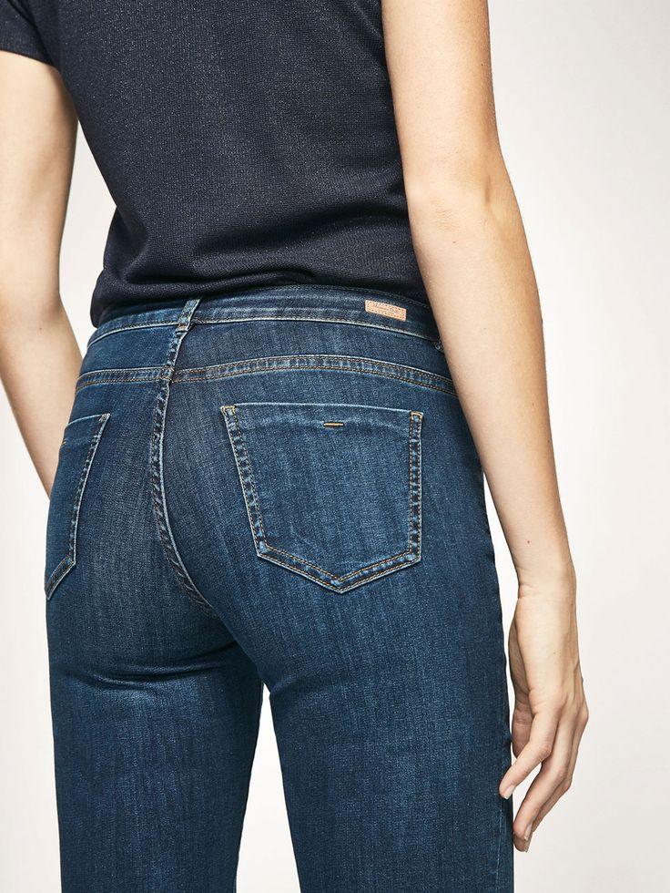 BASIC DENIM BROEK SLIM FIT voor DAMES - Jeans van Massimo Dutti voor de herfst winter 2017 à 39.95. Natuurlijke elegantie!