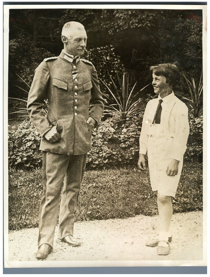 Germany, The Anglophobe Bavarian Prince, Lupprecht and his only surviving son     #Les_années_1900_à_1940_ #Personnalités
