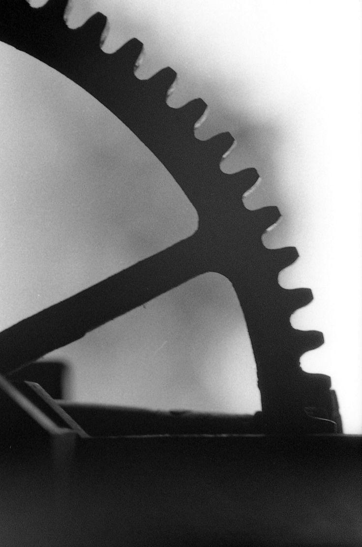 https://flic.kr/p/L3wZB3 | Gear | A piece of farm equipment sits idle.