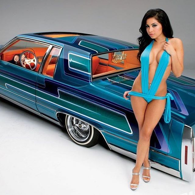 @seanzillla #caddy #cadillac #lowrider #lowridermagazine #patternedout #flakedout #hydros #hydraulics #candypaint