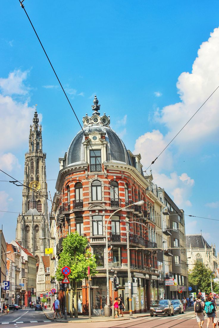 Surprising #Antwerp, on of my favourites towns so far.  #Belgium #storiediritratti