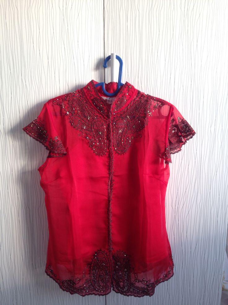 Kebaya encim maroon available