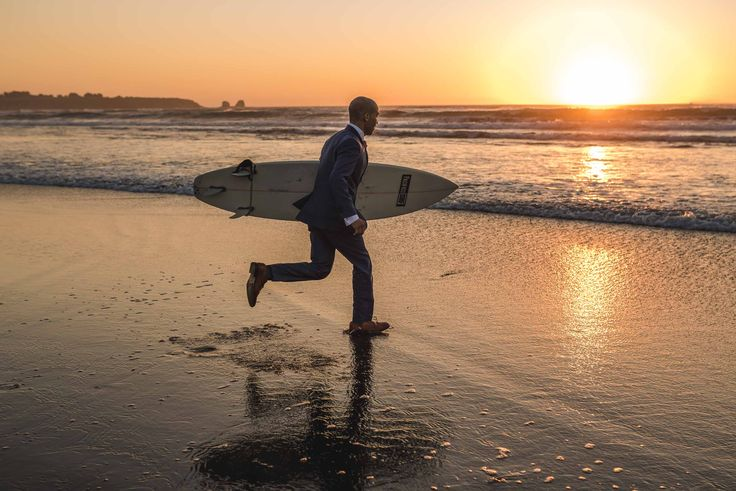sesión-playa-trash the dress-pichilemu-fotografo-matrimonio-diego mena fotografia-surf #groom #sesion #trashthedress #pichilemu #sunset