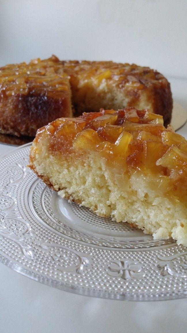 Bonjour J'ai déjà publié sur le blog des recettes de gâteau renversé à l'ananas ou à la poire, mais celui là à la particularité d'avoir en plus un ingrédient qui adoucit encore plus le gâteau : la noix de coco Il est juste délicieux, moelleux, fondant,...