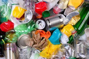 LES DAG VAN DE AARDE eerste graad. Speel de afvalrace en ontdek welk afval je kan hergebruiken. Onderzoek samen met je klasgenoten de antwoorden op de uitdagende vragen over afval.