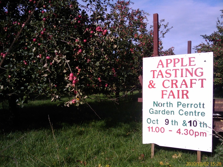 North Perrorr Farm produces a high quality, natural apple juice that captures the local taste of traditional Somerset apples.