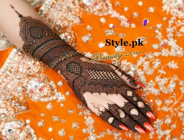 latest bridal mehndi design