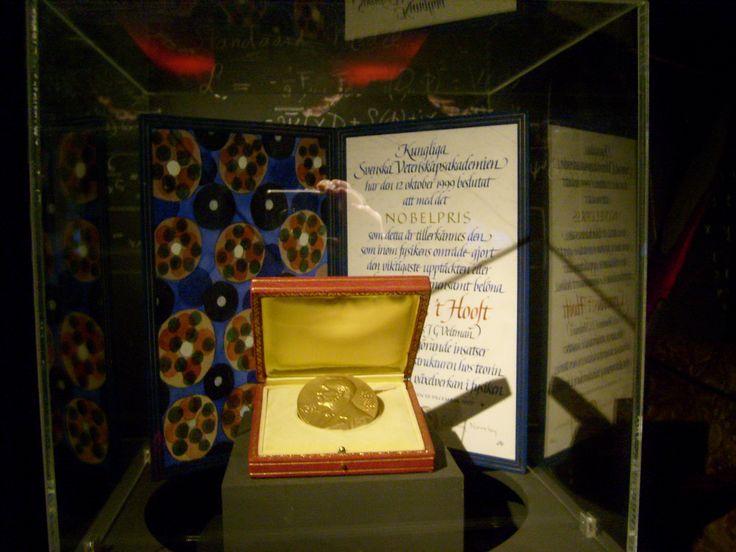Takaaki Kajita, Arthur B. McDonald Win 2015 Nobel Prize For Physics - http://www.morningnewsusa.com/takaaki-kajita-arthur-b-mcdonald-win-2015-nobel-prize-for-physics-2338691.html