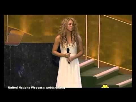 """Shakira apresenta cover de """"Imagine"""" de John Lennon em evento da ONU #Cantora, #Crianças, #Mundo, #Shakira, #Sucesso http://popzone.tv/shakira-apresenta-cover-de-imagine-de-john-lennon-em-evento-da-onu/"""