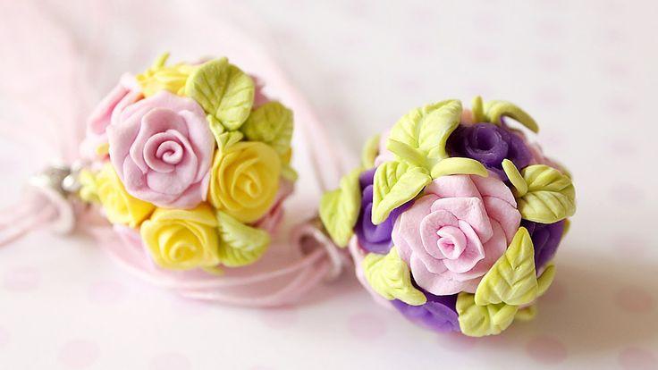 Здравствуйте, дорогие друзья-товарищи!) В этом видео я расскажу, как я делаю цветочные шарики из полимерной глины. Это очень нежное и милое украшение. ------...