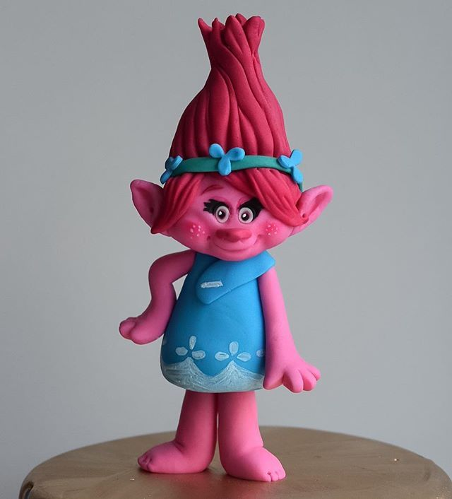 Daphne Made Her Own Birthday Cake Too: 17 Best Images About Figures And Figurines On Pinterest