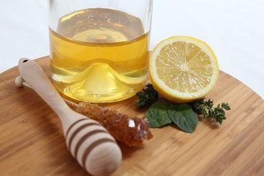 Beneficios de tomar miel con limón en ayunas