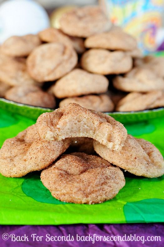 How to Make Thick, Soft, and Chewy Snickerdoodles - These are the BEST EVER!! http://backforsecondsblog.com #christmascookie #snickerdoodles...