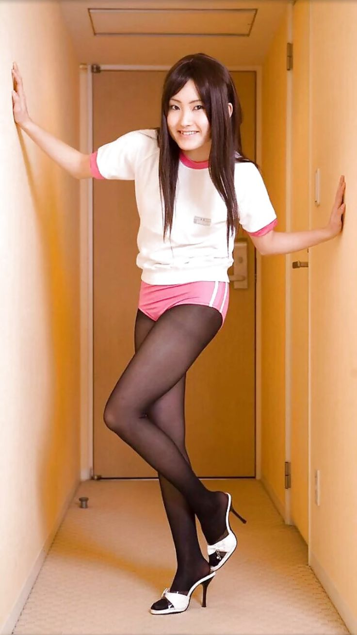 japanese-girl-in-tights