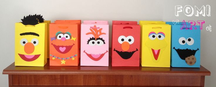 Personaliza tus bolsas de regalo, con los personajes de plaza ...