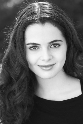 vanessa Marano. Love her on Switched at Birth. Reminds me of me sometimes. Art side.