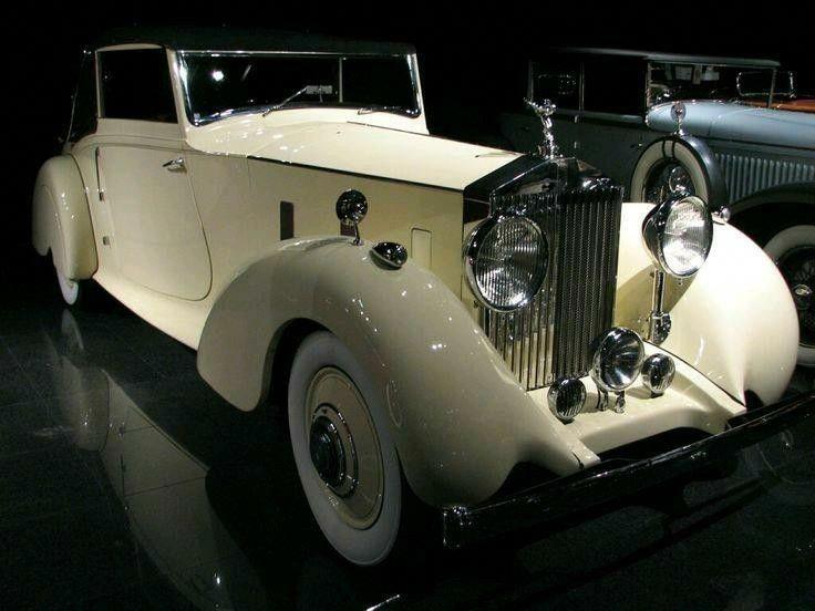 Beloved Family S Rolls Royce Up In Flames Rolls Royce Rolls