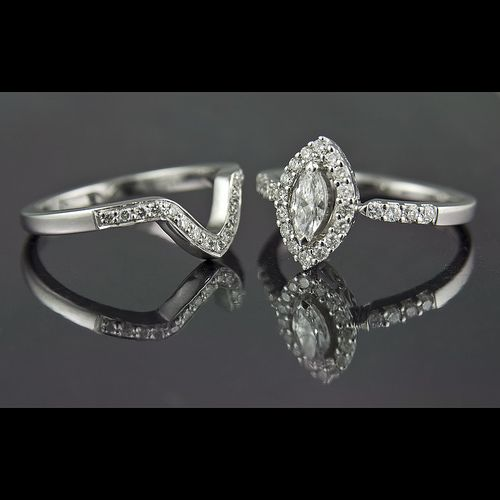 marquise engagement ring design...this is perfection