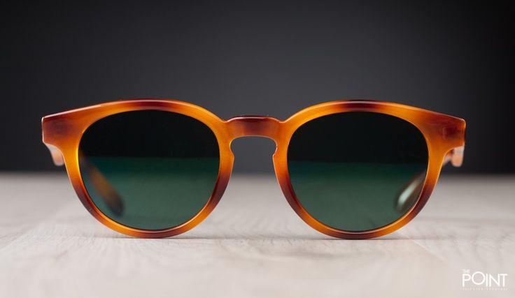 Gafas De Sol Mr. Boho Tortoise Jordaan Verde, la firma de complementos de moda #MrBoho llega a nuestra #tiendaonlinedezapatillasThePoint con toda su #colecciónPrimaveraVerano2015 de #gafasdesolMrBoho, esta vez presentamos un clásico dentro de la marca, el modelo de #gafasdesolMrBohoJordaan en un acabado efecto madera y las lentes en color verde oscuro,clica aquí para poder comprarlas…