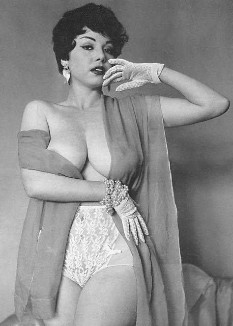 Vintage female Nude Photos 88