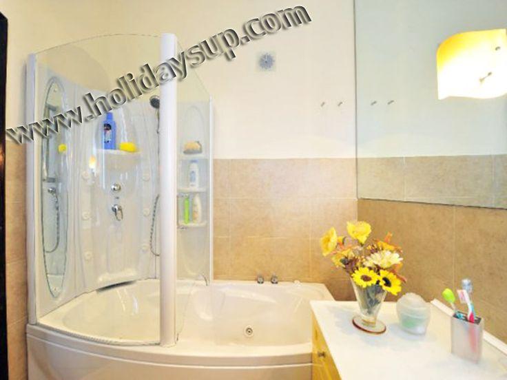 Villa Alfredo bathroom with hydromassage shower Holiday rentals sorrento coast