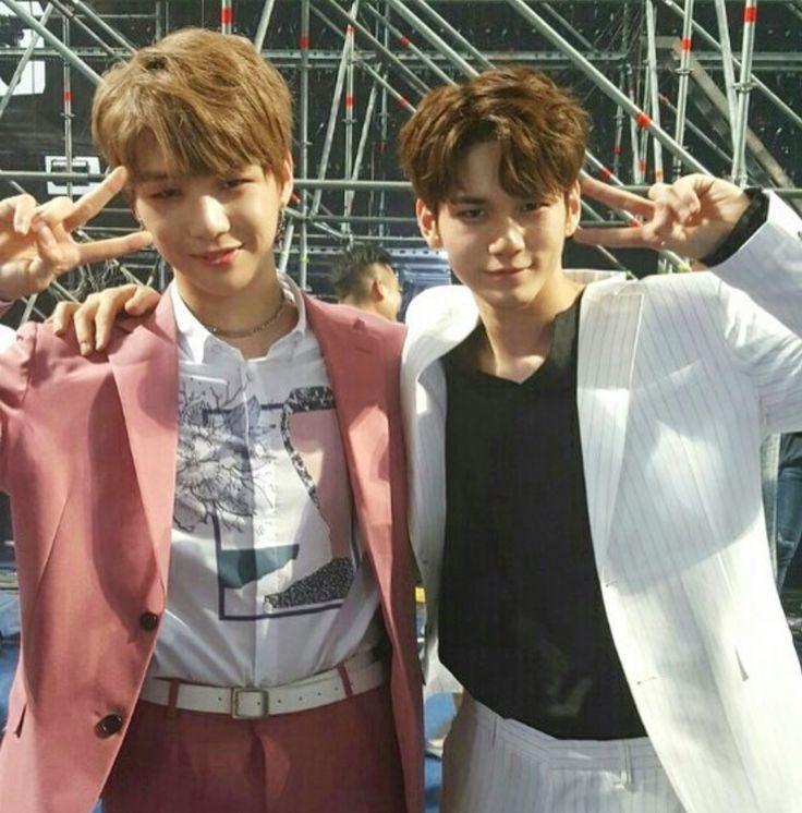 Wanna One 옹성우 (Ong Seongwoo) 강다니엘 (Kang Daniel)
