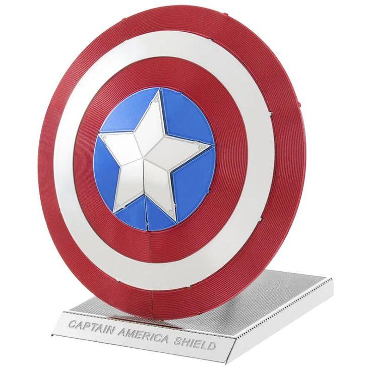 Modellino dello scudo di #CapitanAmerica da assemblare. Contiene due parti di metallo (11 x 11 cm). Dimensioni: 4,5 x 5,7 x 5,7 cm.