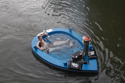 boat and hot tub in one. brilliant!