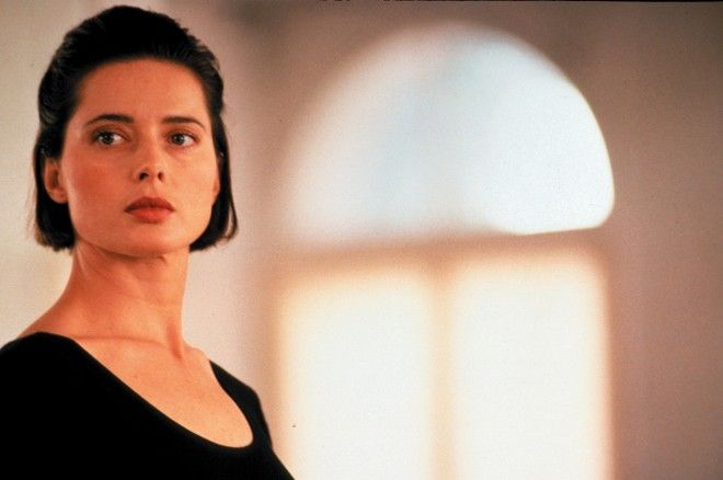 The 10 Most Iconic Italian Beauties of All Time – Vogue - Isabella Rossellini