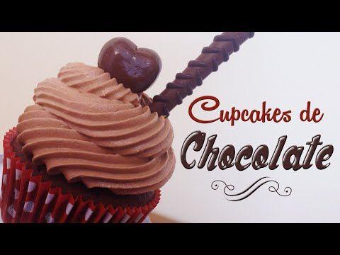 Como hacer cupcakes de chocolate | Receta fácil | Cupcakes decorados con bombones - YouTube