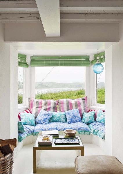 Escape to the Coolest Coastal Home in Spain // Window seatInterior Design, Coastal Homes, Coastal Interiors, Windows Seats, Interiors Design, Coastal Spain, Window Seats, Escape, Coolest Coastal
