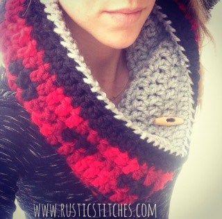 Reversible Plaid Cowl - Free Crochet Pattern