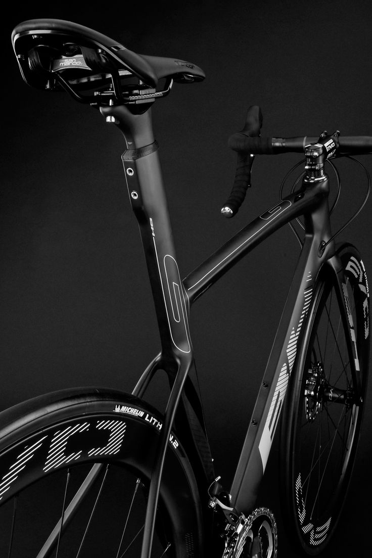 So we just teased this a few days ago, but now have the full details. BH Bikes today introduces the latest iteration of their G-series aero road bike with the new disc-brake G7 Disc. A big jump form the current G6 Pro that tucks a direct mount brake under the bottom bracket (and will carry …