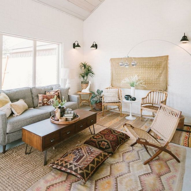 The Appeal Of Warm Tone Living Room Room Designing Isn T Only A Dreaded Necessity Also Set The Lightings Properl Rugs In Living Room Turkish Decor Home Decor