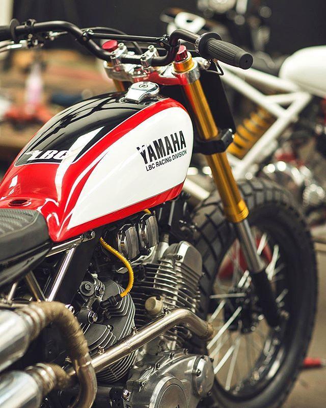 Yamaha Virago XV500. Flat Tracker. Built by @jtaurel @ LBC ─────────────── #lbcmotorcycles #lowbudgetcustoms #kustomart #kustomart7 #yamaha #virago #xv500 #scramblerstrackers ───────────────  @rafadelceggio77