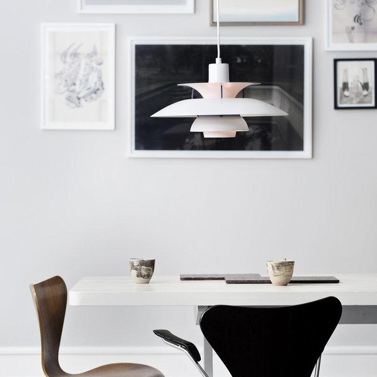 Louis poulsen ph5 lamp a design classic